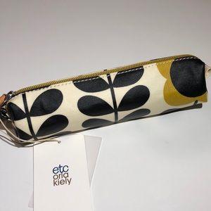 NWT Orla Kiely Tall Flower Stem Pencil Case in Jet
